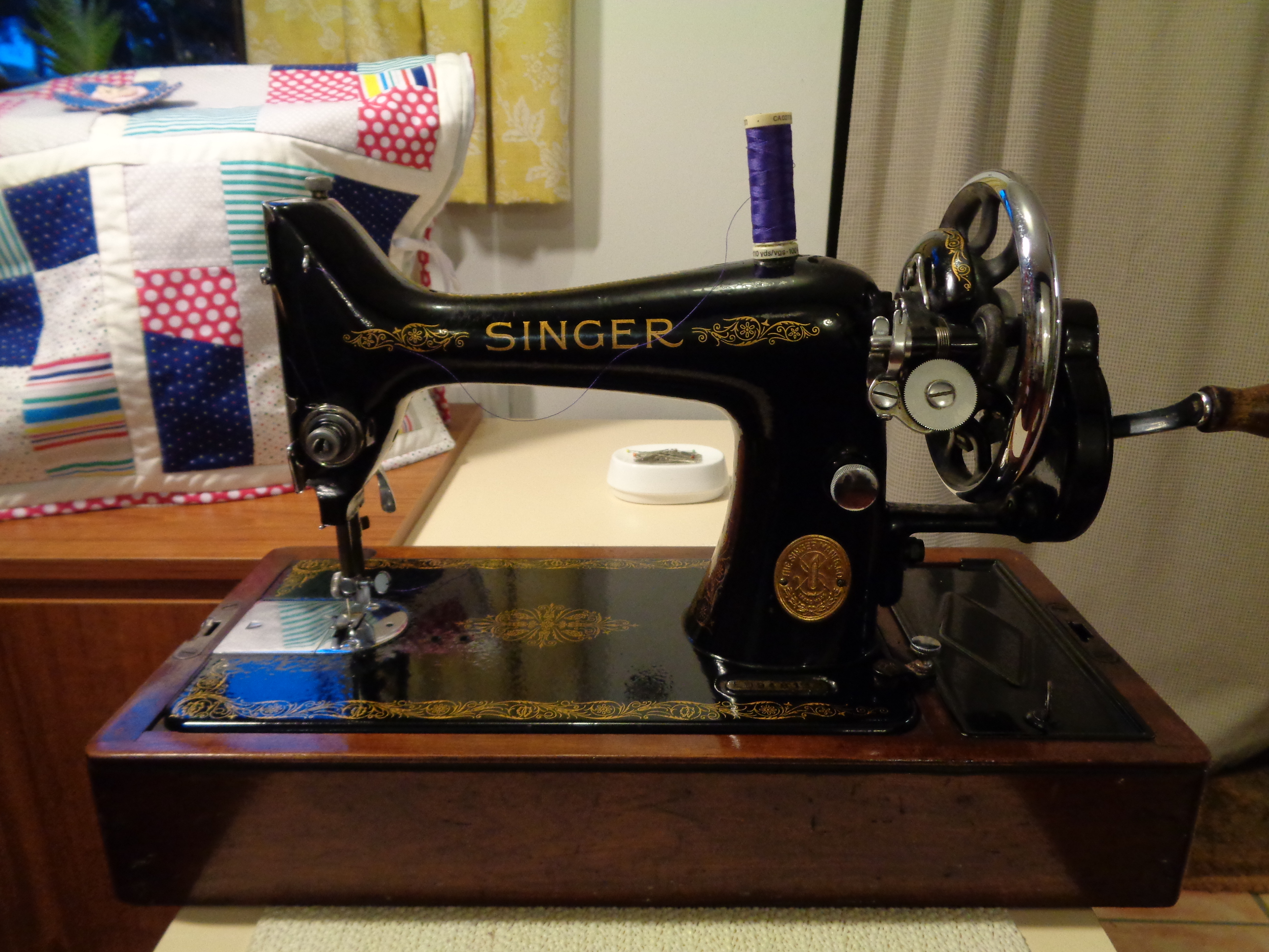 Singer Hand Machine